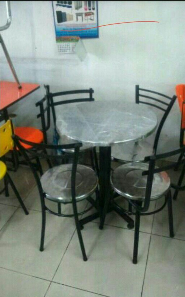 juego 4 sillas karla y mesa todo acero para bar