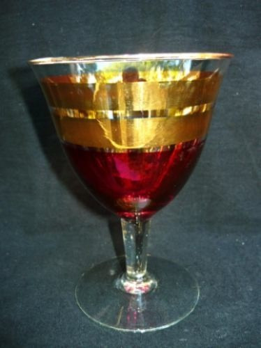 juego 5 copas cóctel-vino rojo y oro 12,5 cm, buen estado