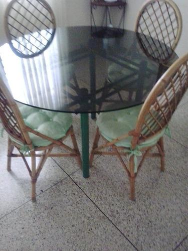juego comedor  ratan 4 sillas  base  metalica (usado) oferta