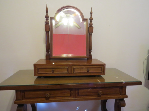 juego completo de dormitorio muy fino, consta de 6 muebles.