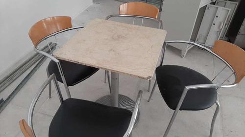 juego de 4 sillas y 1 mesa usadas