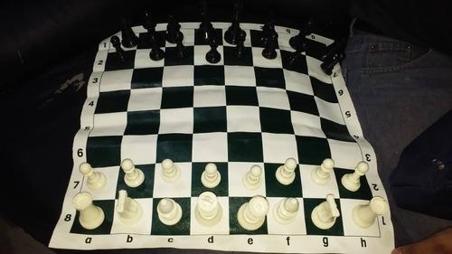 juego de ajedrez staunton, con estuche