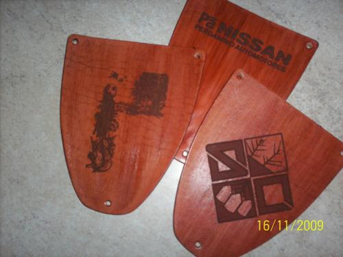 juego de asado cuero. cubierto y plato madera