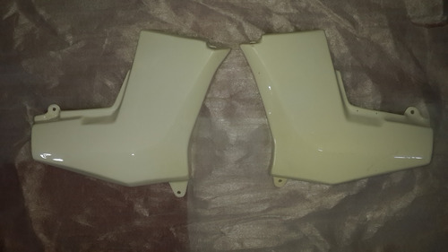 juego de cachas laterales jawa 350 blancas - 2r