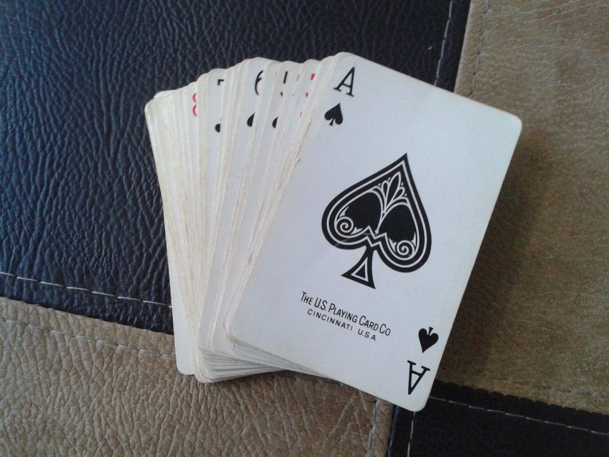 Juego De Cartas Naipes Poker Bs 5 000 00 En Mercado Libre