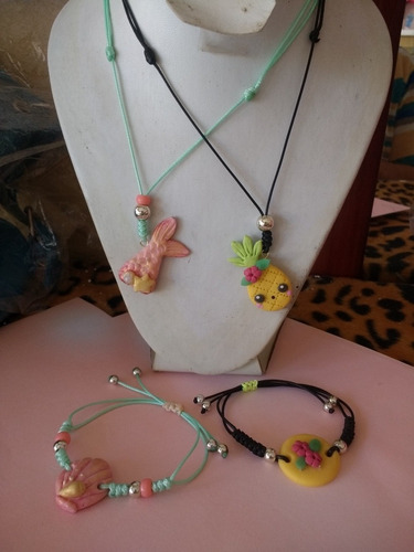 juego de collar y pulsera unicornio, y otros bisuteria
