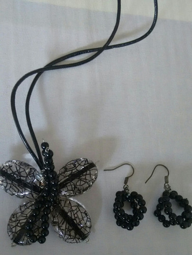 juego de collar y zarcillos mariposa