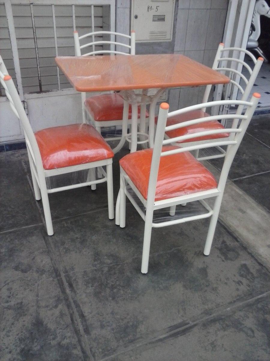 Juego de comedor con sus 4 sillas con tapiz a solo 325 for Tapiz para sillas de comedor