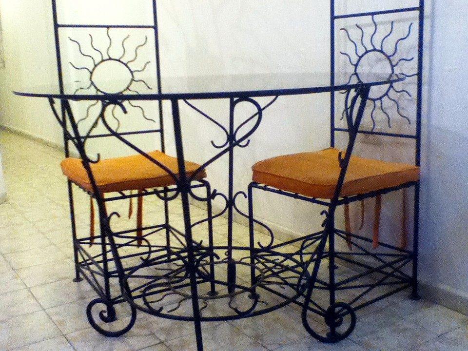 Muebles de comedor de hierro forjado 20170719180052 for Comedores redondos baratos