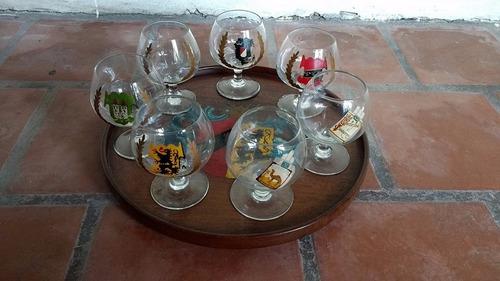 juego de copas de cognac y bandeja