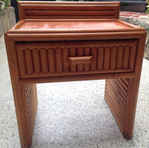 juego de cuarto de madera - cama, peinadora, mesita de noche