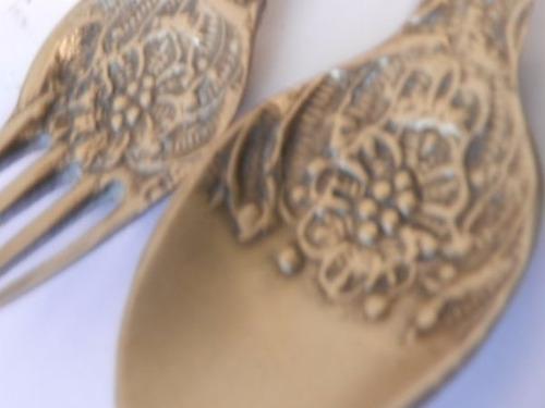 juego de cuchara y tenedor bronce tallado-adorno