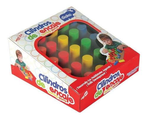 juego de ensartes cilindros de colores madera