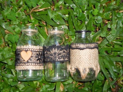juego de frascos de vidrio decorados en tonos negros