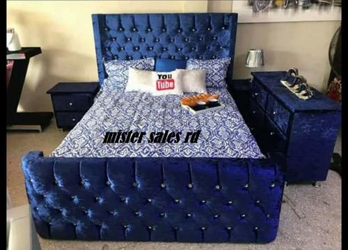 juego de habitacion tipo trono en azul eléctrico