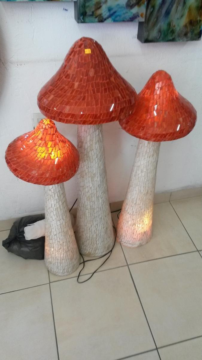 Juego de hongos cristal en vitral con luz gigantes - Pintar bano con hongos ...