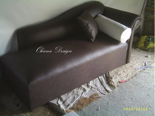 juego de living chaise longe sillon+puffs+mesa en ecocuero
