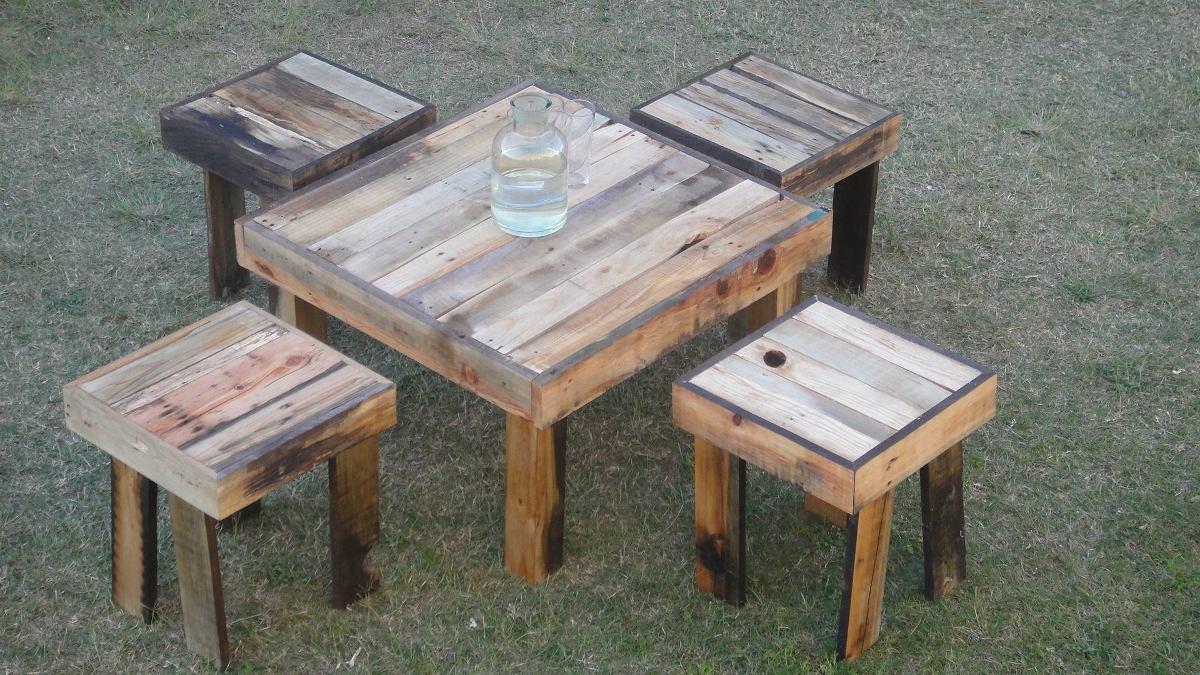 Juego de mesa de jardin de tarimas y madera reciclada - Mesas de madera de jardin ...