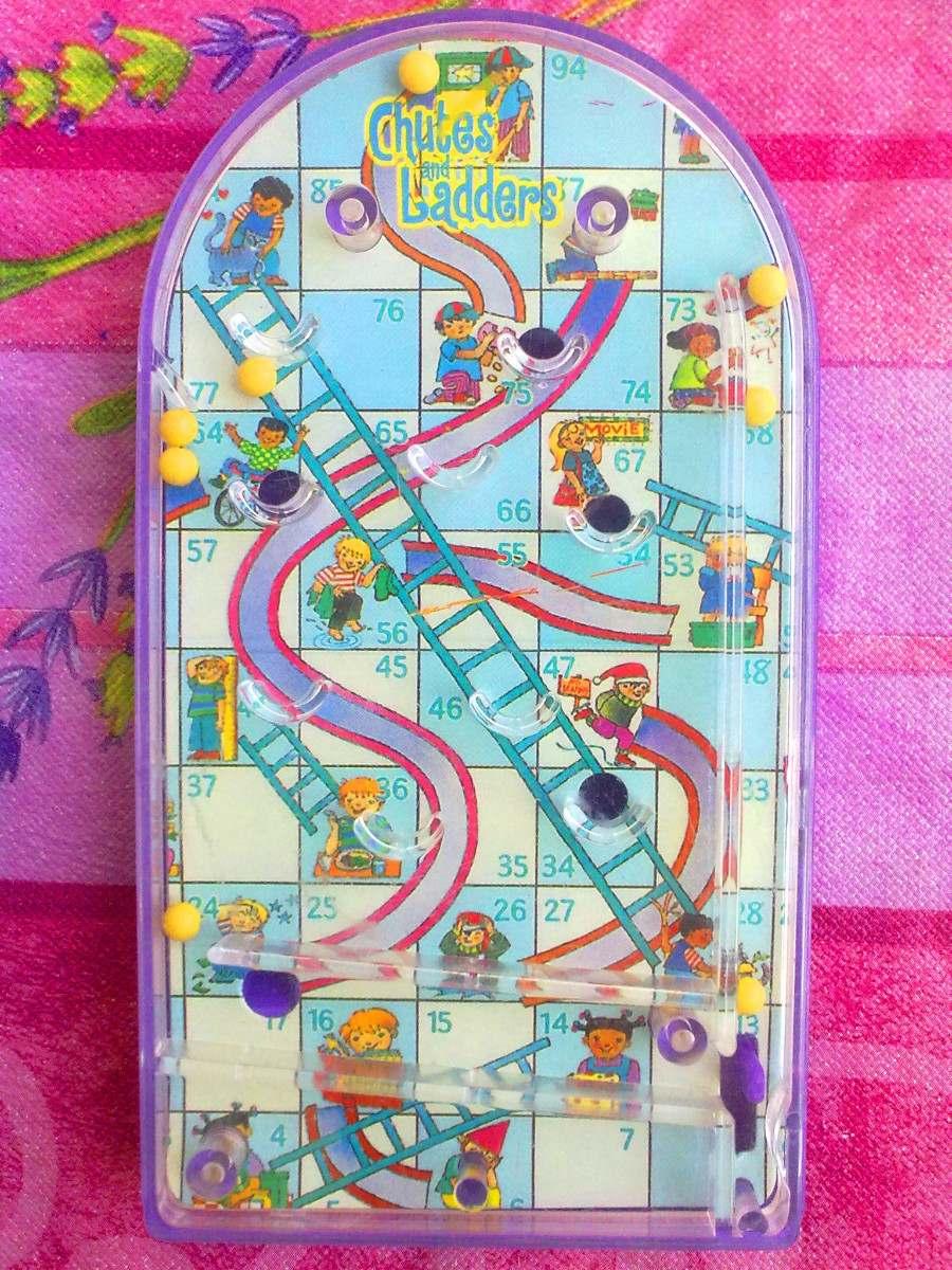 Juego De Mesa Serpientes Y Escaleras Miniatura 100 00 En Mercado