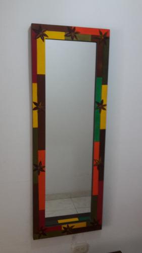 juego de mesita y marco de espejo pintada a mano