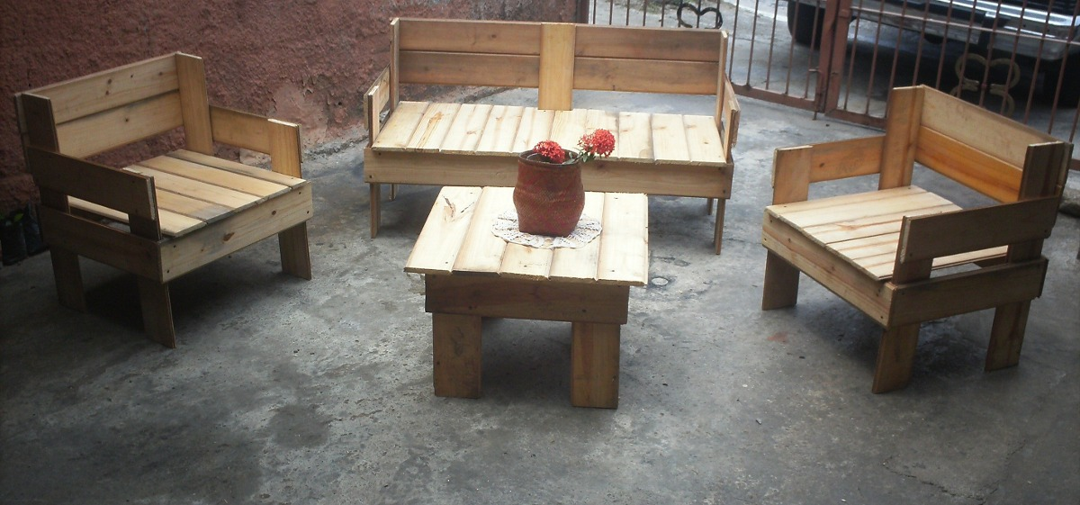 Juego de muebles de madera de pino bs en for Muebles modernos de madera para sala