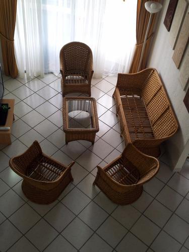 juego de muebles o de recibo en rattan