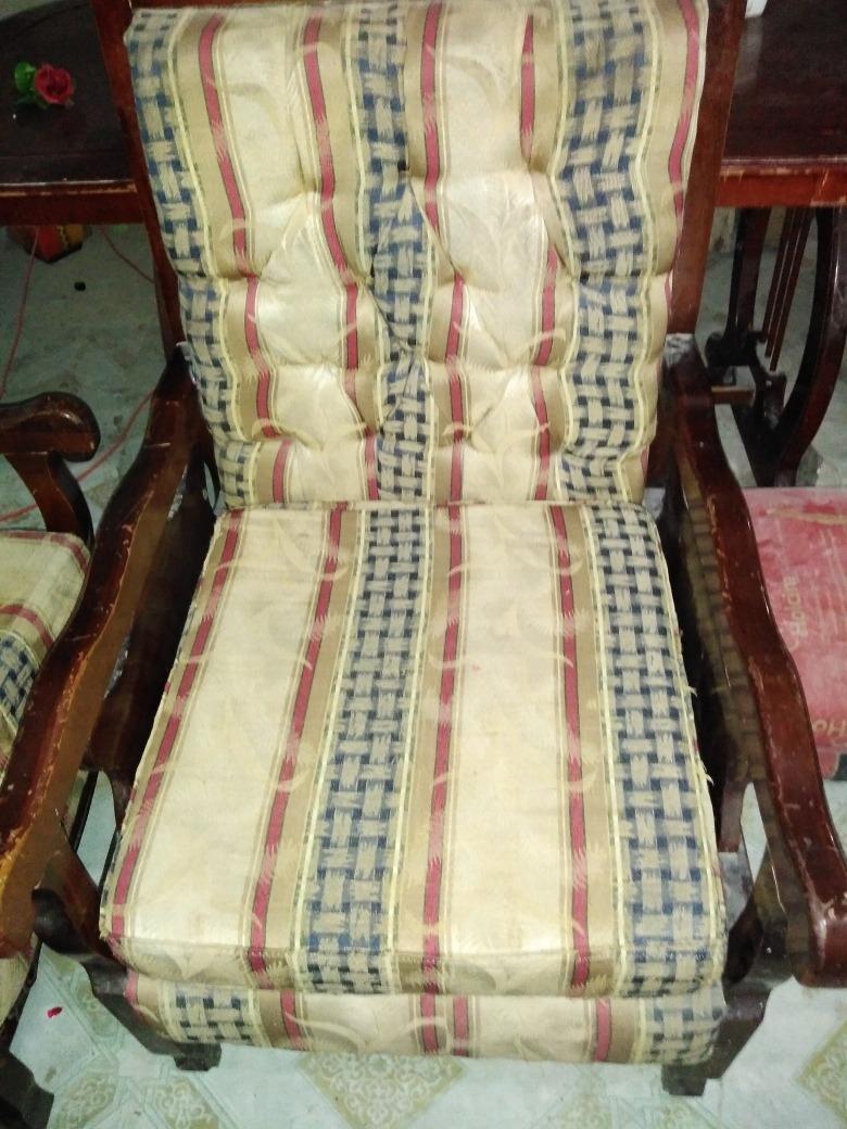 juego de muebles uno grande y 4 pequeños