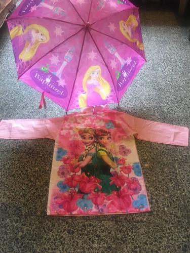juego de paraguas con impermiable