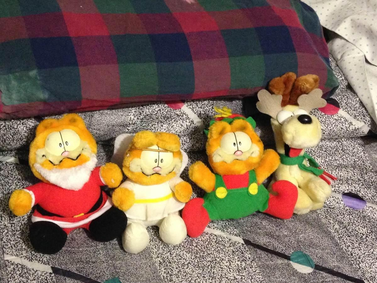 Juego De Peluches Navideos De Garfield   50000 en Mercado Libre