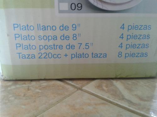 juego de platos redondo