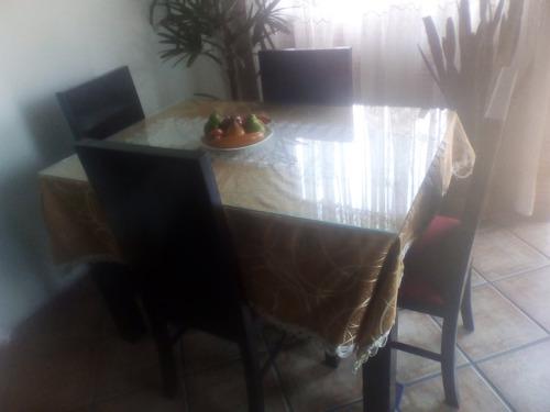 juego de sala y comedor en madera