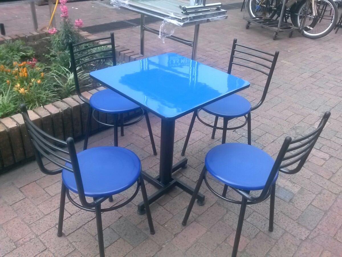 Juego de sillas y mesa met lica para bar restaurante for Juego de mesa y sillas