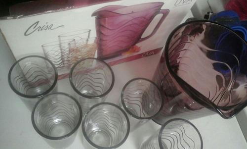 **juego de vasos y jarra color uva marca crisa**
