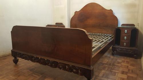 juego dormitorio antiguo cama  y dos mesas macizas talladas