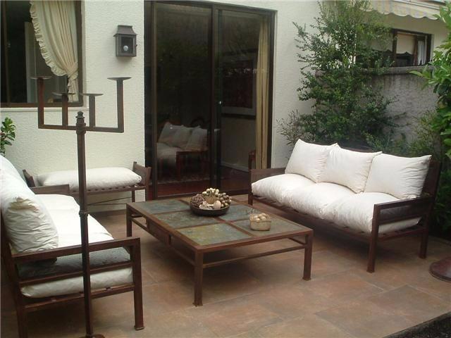 Juego de living de fierro muebles y terrazas 5 personas for Muebles balcon terraza