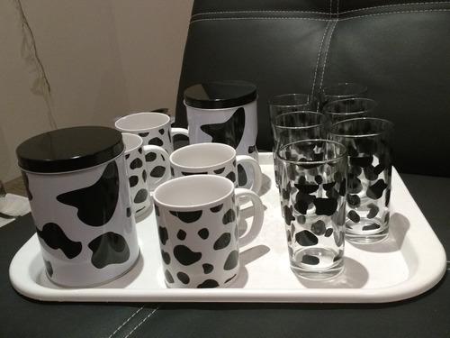 juego tazas y vasos blanco y negro, estampa vaca!