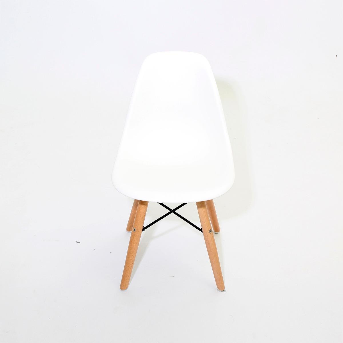 Juegos 4 sillas eames vintage comedores baratos en oferta for Comedores en oferta