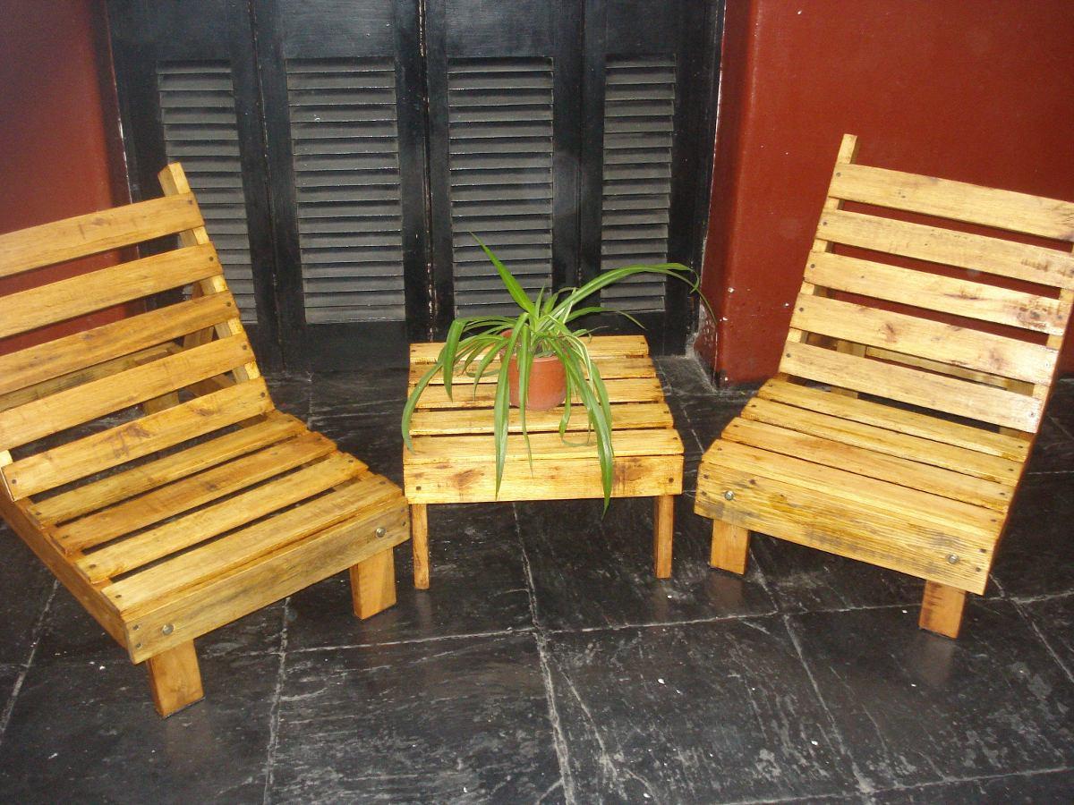 Palets para jardin perfect jardn con palets jardn con for Sillones de jardin de madera