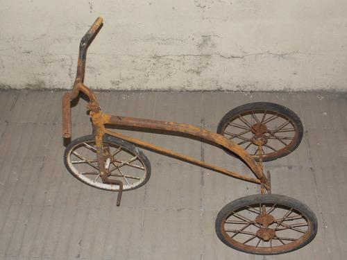 juguete a pedal triciclo