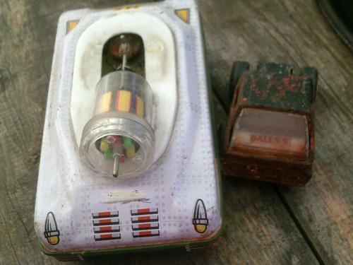 juguete antiguo tanque espacial y camioncito dales hojalata