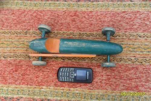 juguete auto antiguo