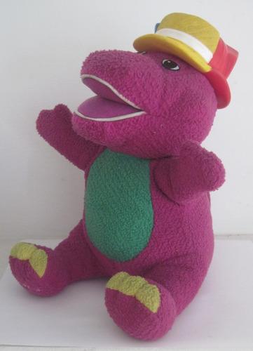 juguete barney dinosaurio con sombreros habla canta y baila