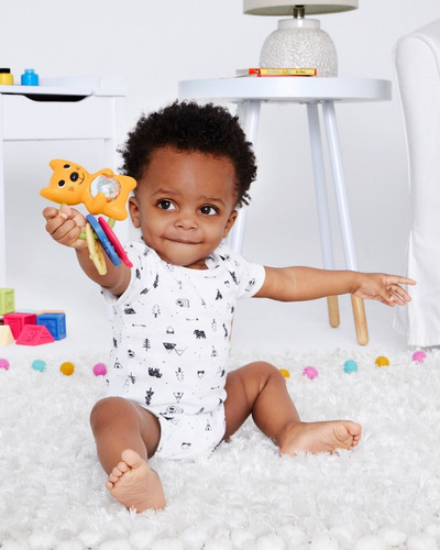 juguete de bebé sonajero mordillo skip hop ardilla
