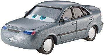 juguete disney / pixar cars sedanya oskanian vehículo