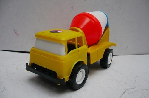 juguete escala camion