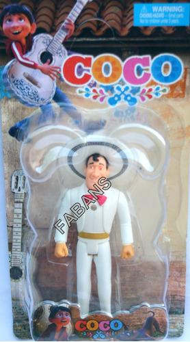 juguete figura muñeco