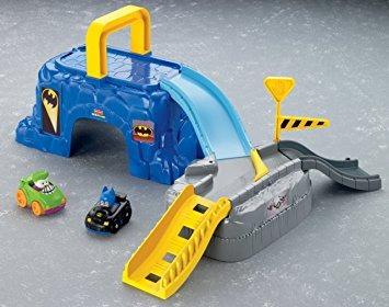 juguete fisher-price little people dc super go baticueva am