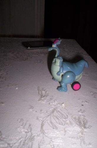 juguete kinder grande dragon con dragoncito