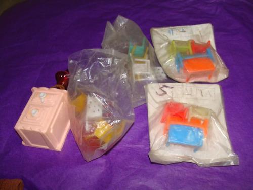 juguete ,lote de mueblecitos plasticos hechos en mexico