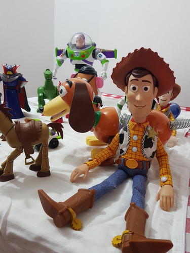 juguetes toy story,  woody, buzz lightyear, zord, slinky